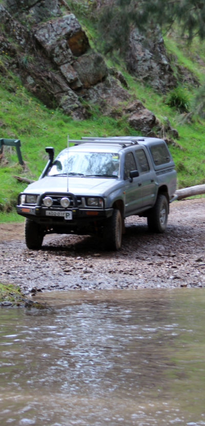 Toyota Hilux 1998 Review - On The Dirt